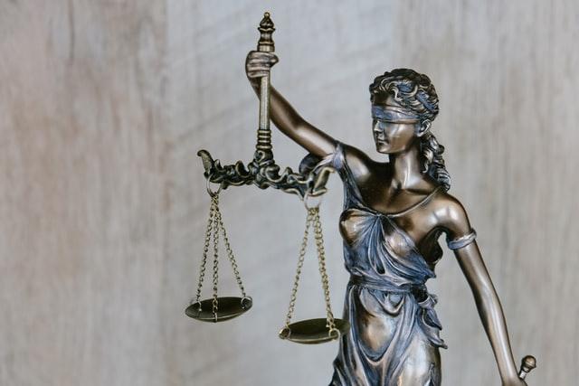 正義女神銅像